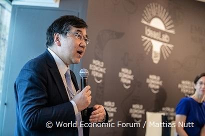 HP用02_五神総長Ideaslab Davos2019.jpg